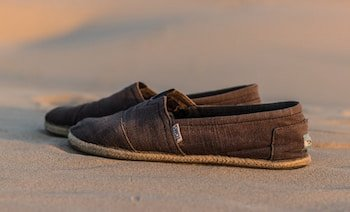 Shoes like Sanuks and Toms
