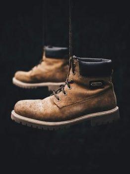 Wear a Steel Toe Boots on A Plane