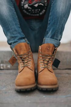 Work boots for Flooring Installers